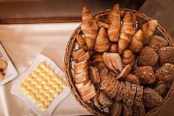Feinste Auswahl an Croissants, Brot und Brötchen