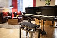 Klavier in der Lobby Luther-Hotel in Wittenberg