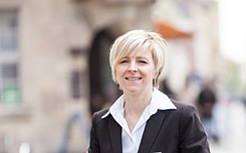 Kontakt zu Claudia Hartlöhner