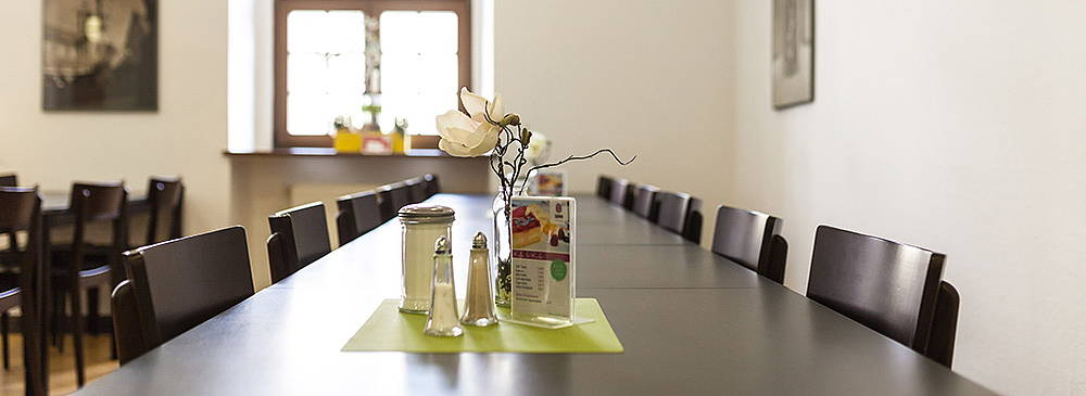 Luther Hotel Cafeteria Leucorea Detailansicht Tisch