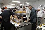 Soziales Promi-Dinner im Luther-Hotel Holger Stahlknecht in der Küche